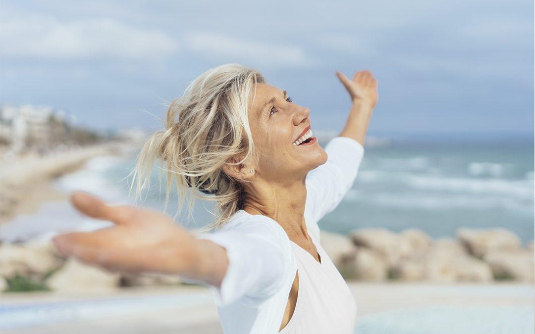 Razones para optar por la implantología oral en verano